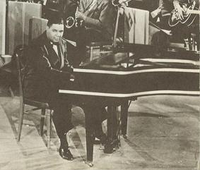 Payne au piano.jpg