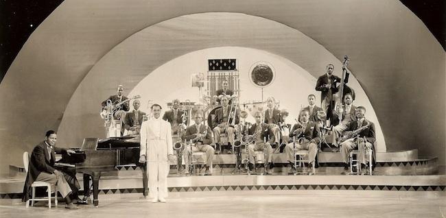 1936 Singing Kid LC Orchestra face copie.jpg