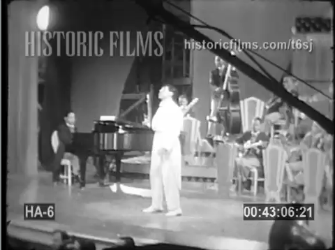 1936 Singing Kid shooting.png