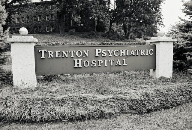 Trenton Psychiatric Hospital Entrance.jpg